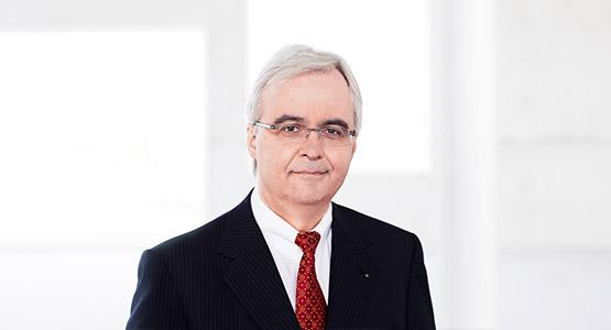 Reinhard Denker - Grundstückskaufvertrag Essen - Rechtsanwalt und Notar Essen - Steuerberater Essen